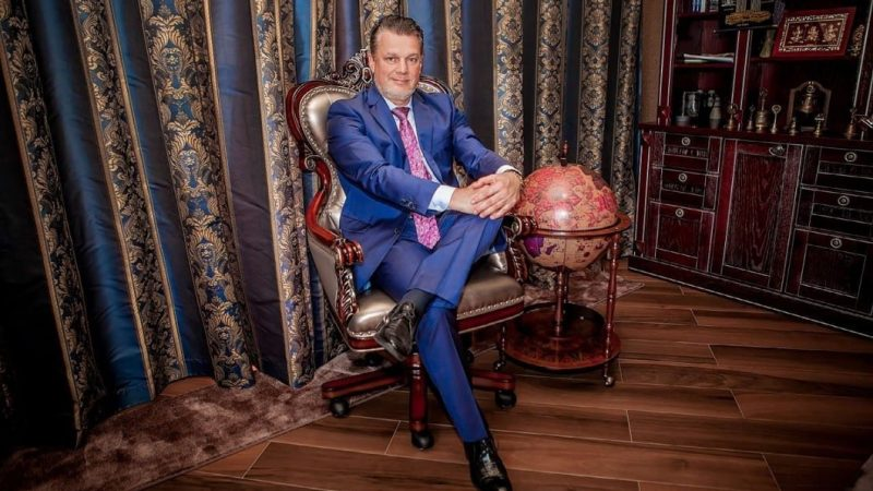 Andrey Khovratov tells how to stay afloat under any circumstances