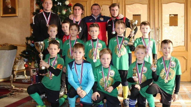 We sponsor the work of the junior football club